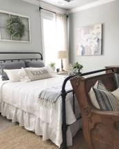 Elegant Farmhouse Bedroom Decor Ideas 01