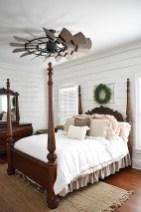 Elegant Farmhouse Bedroom Decor Ideas 14