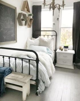 Elegant Farmhouse Bedroom Decor Ideas 20
