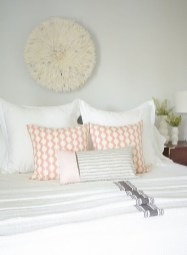 Perfect Spring Bedroom Decorating Ideas 02