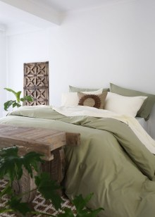 Perfect Spring Bedroom Decorating Ideas 14