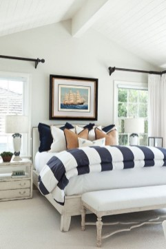 Perfect Spring Bedroom Decorating Ideas 16