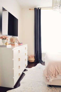 Perfect Spring Bedroom Decorating Ideas 26