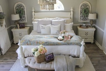 Perfect Spring Bedroom Decorating Ideas 29