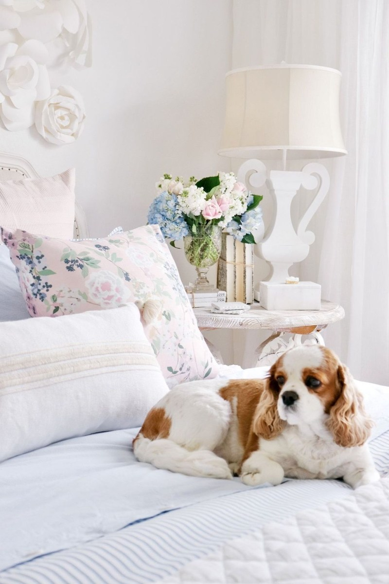 Perfect Spring Bedroom Decorating Ideas 39