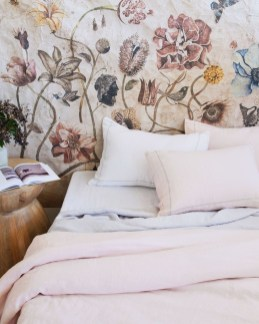 Perfect Spring Bedroom Decorating Ideas 44