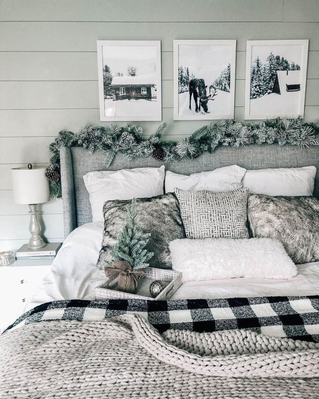 Amazing Winter Bedding Ideas To Get A Cozy Bedroom 07