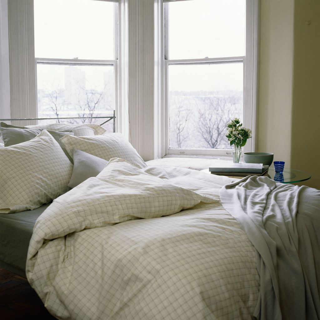 Amazing Winter Bedding Ideas To Get A Cozy Bedroom 11