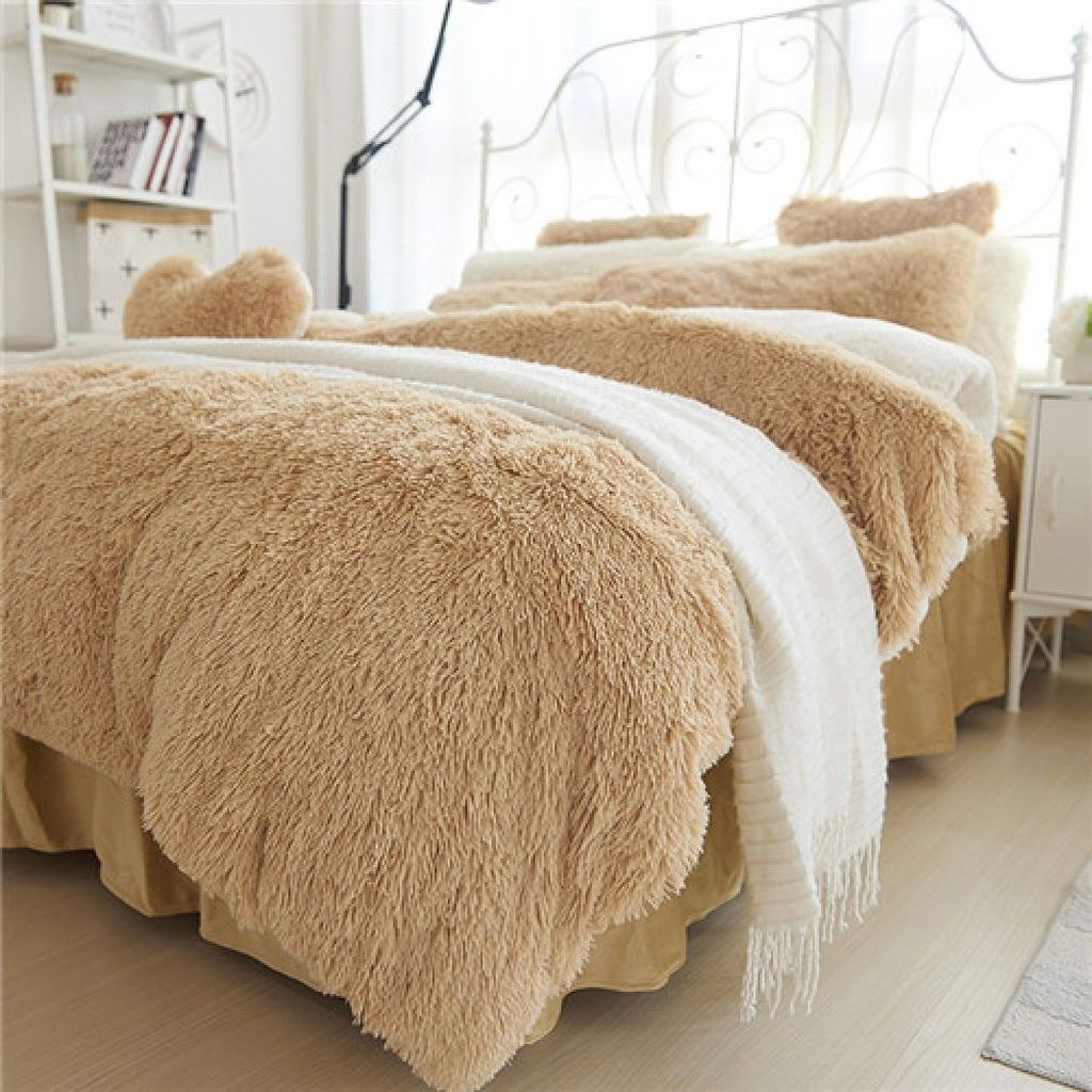 Amazing Winter Bedding Ideas To Get A Cozy Bedroom 13
