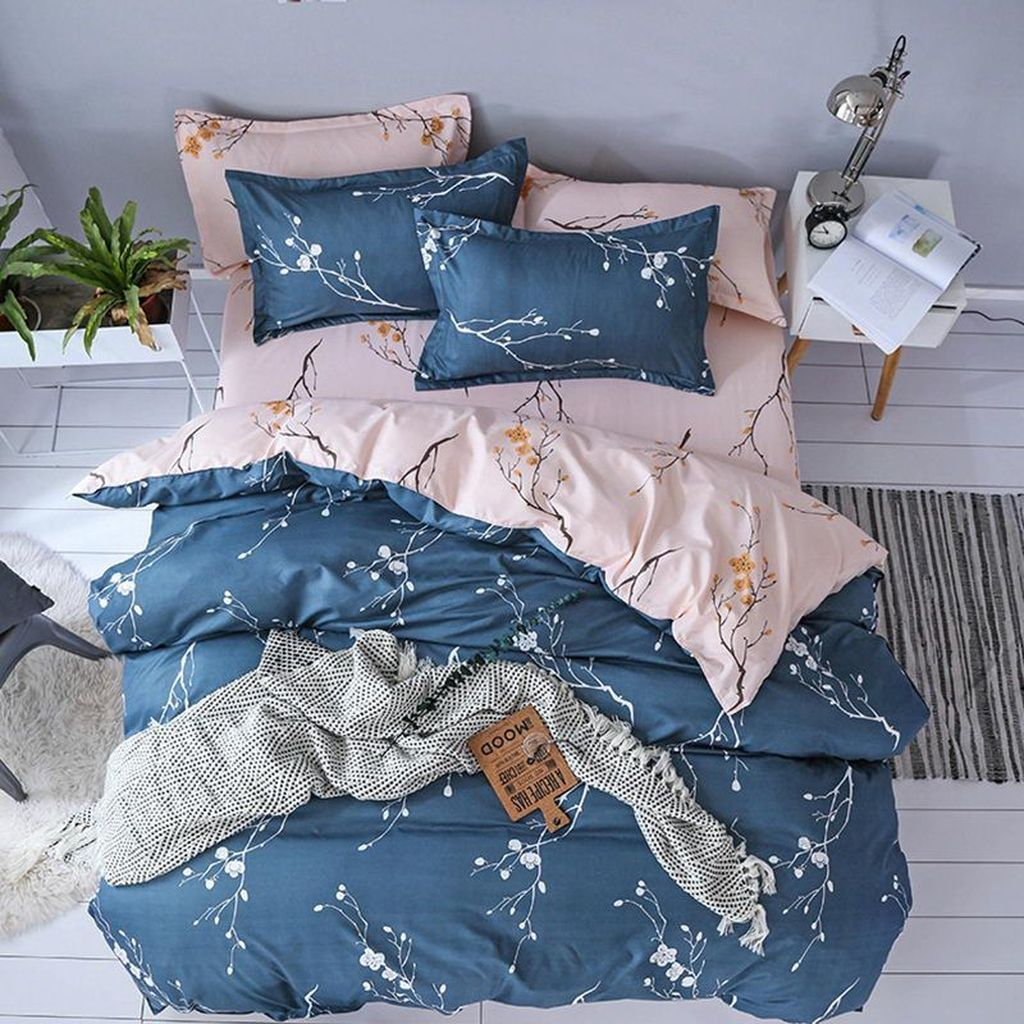 Amazing Winter Bedding Ideas To Get A Cozy Bedroom 32