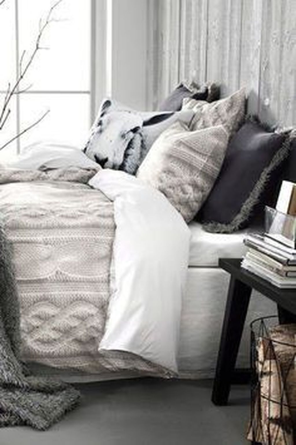 Amazing Winter Bedding Ideas To Get A Cozy Bedroom 45