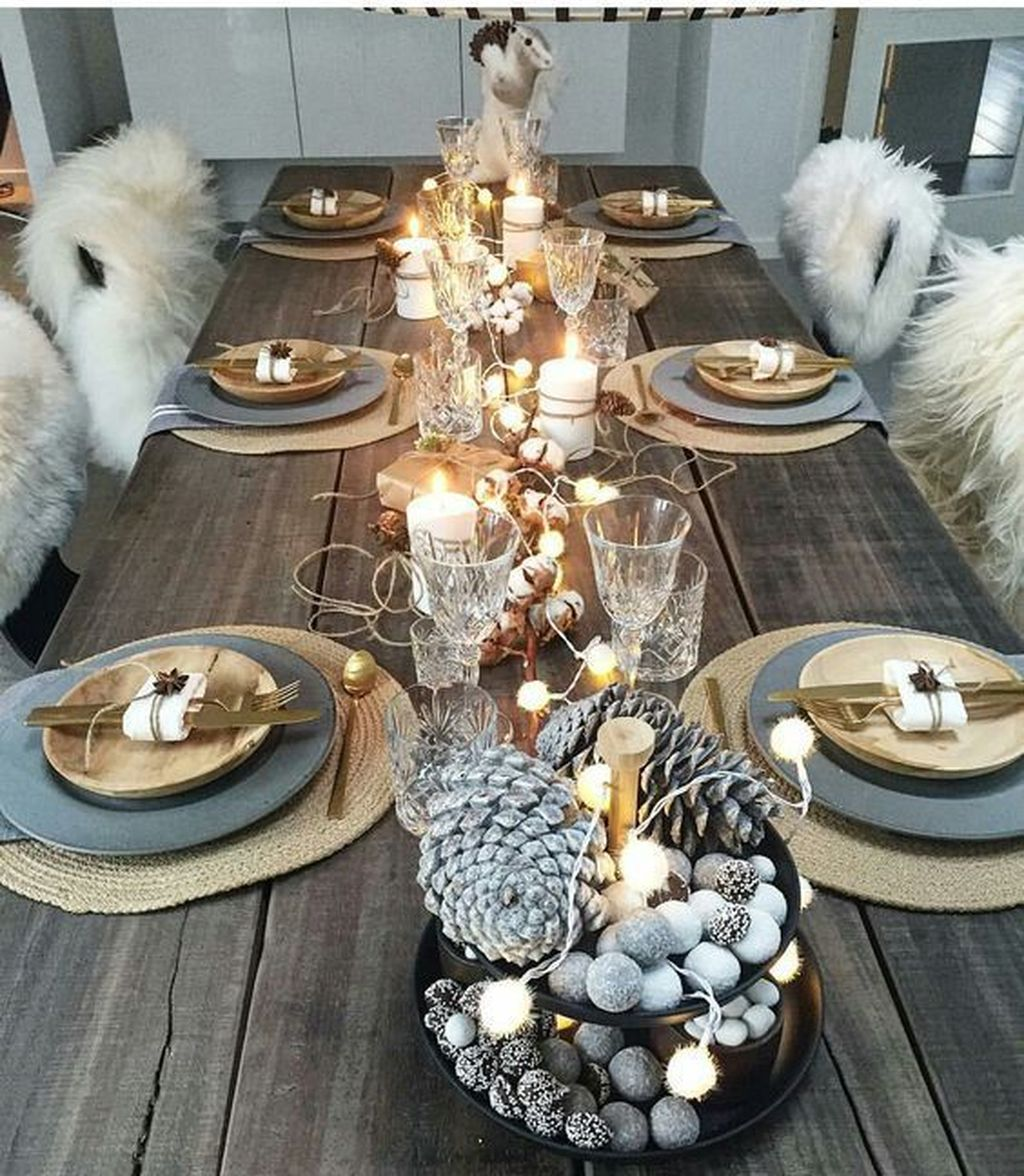 Beautiful Winter Dining Room Table Decor Ideas Which You Definitely Like 04