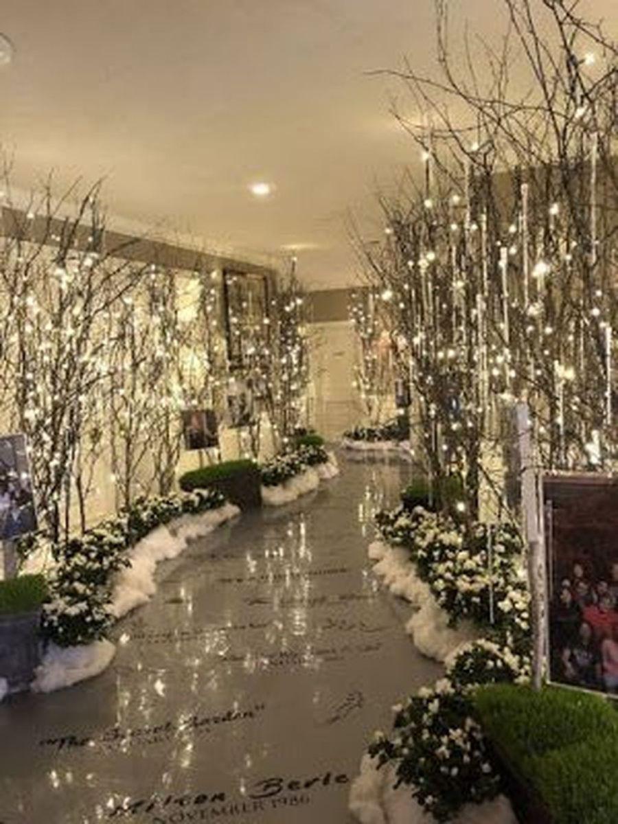 Beautiful Winter Wonderland Lighting Ideas For Outdoor And Indoor Decor 17