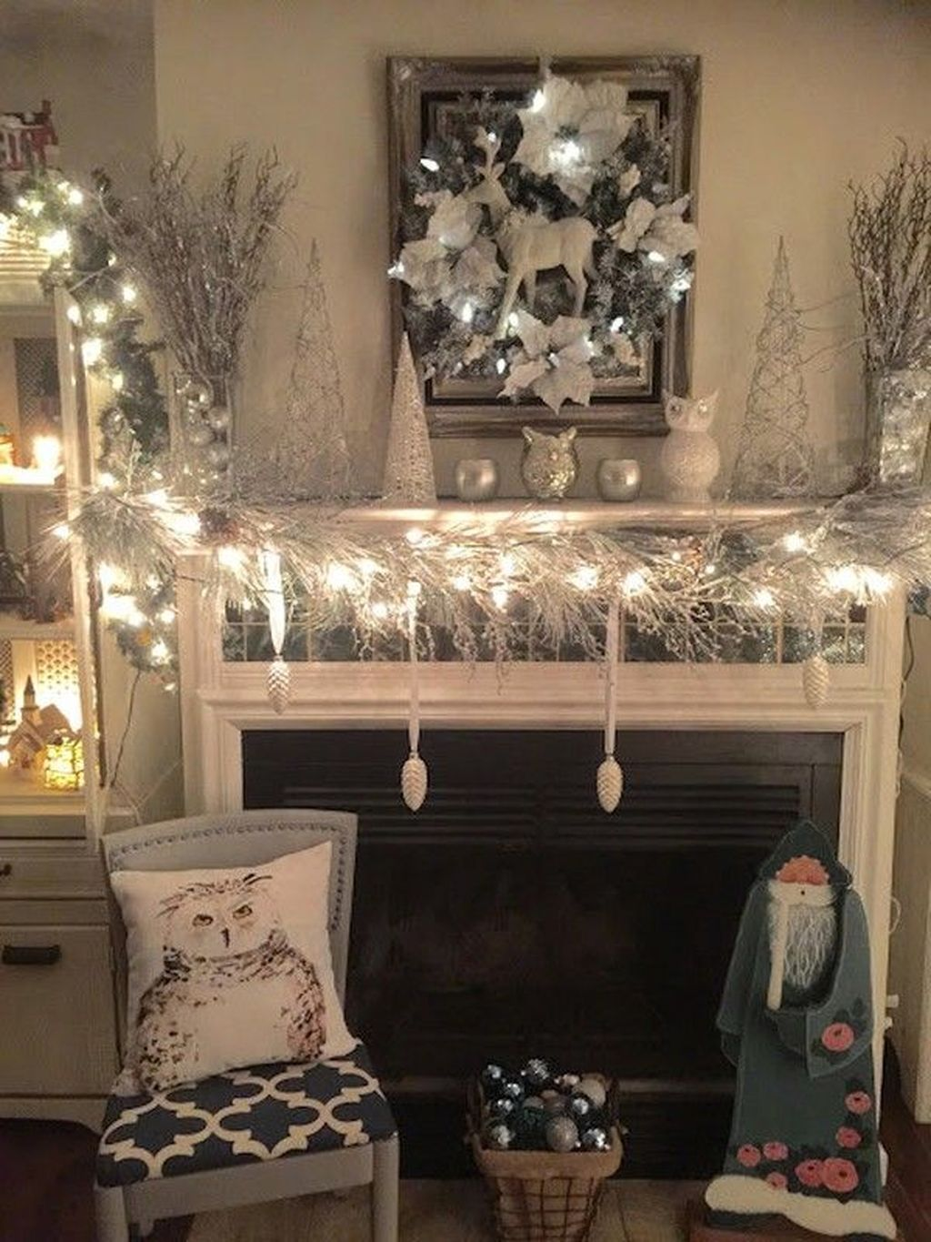 Beautiful Winter Wonderland Lighting Ideas For Outdoor And Indoor Decor 26
