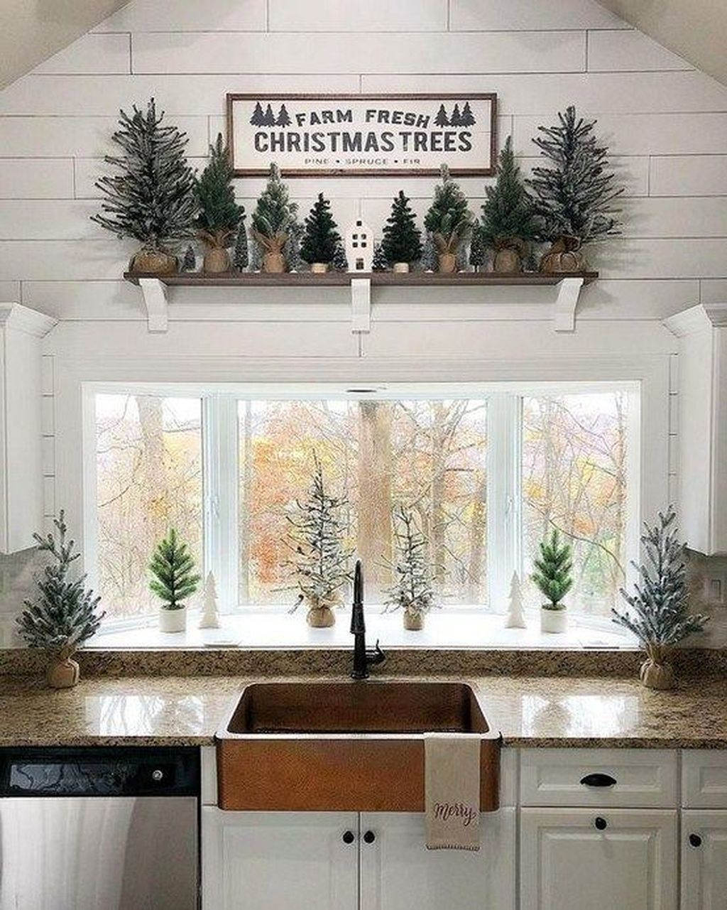 Inspiring Winter Kitchen Decor Ideas You Can Try 04