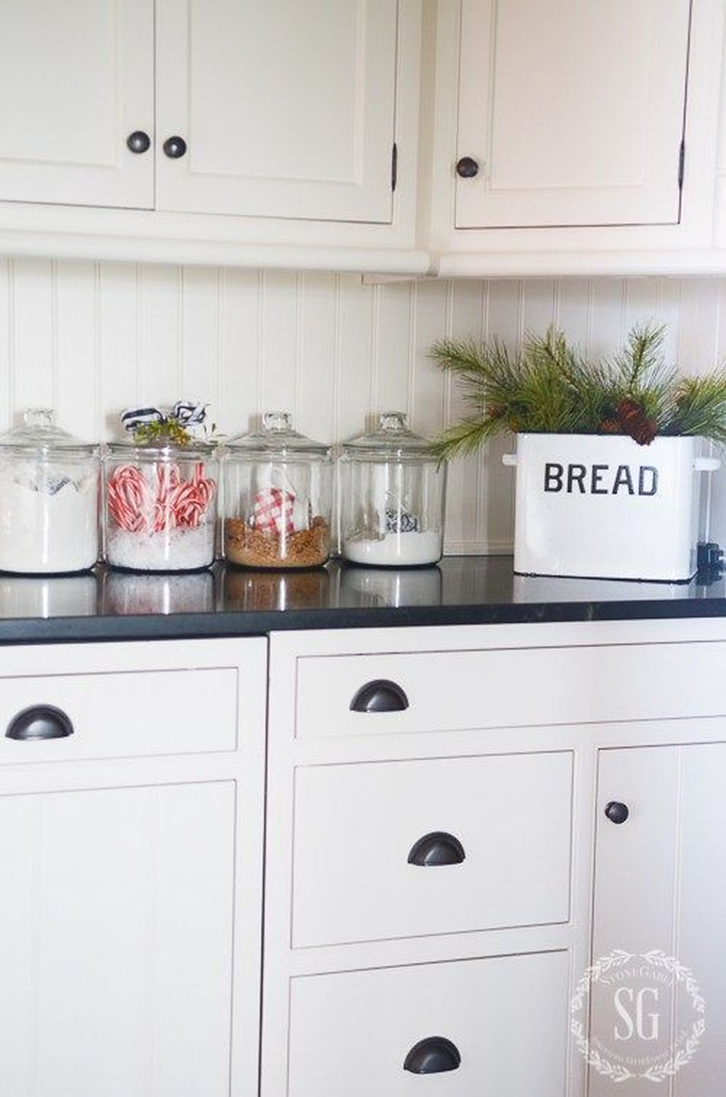 Inspiring Winter Kitchen Decor Ideas You Can Try 41