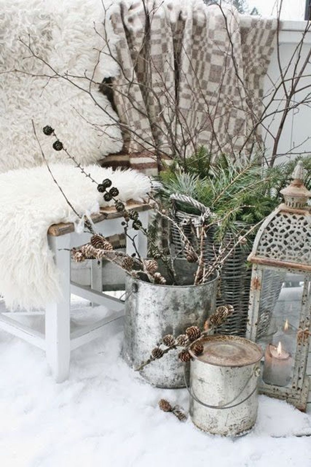 Popular Outdoor Decor Ideas For This Winter 09