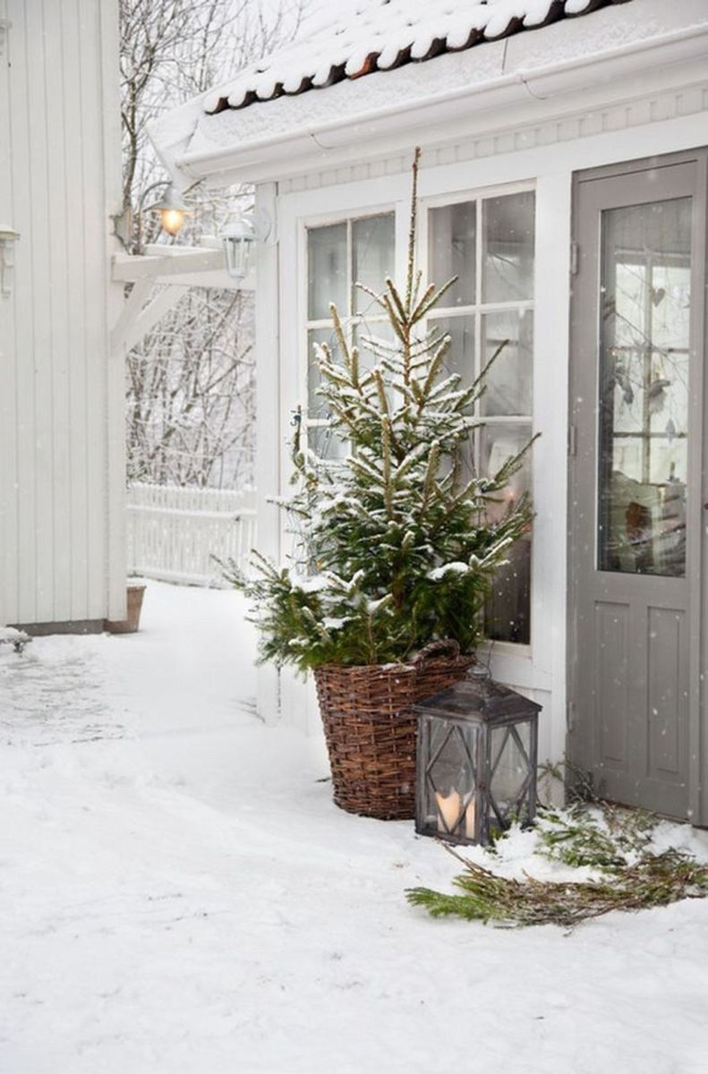 Popular Outdoor Decor Ideas For This Winter 21