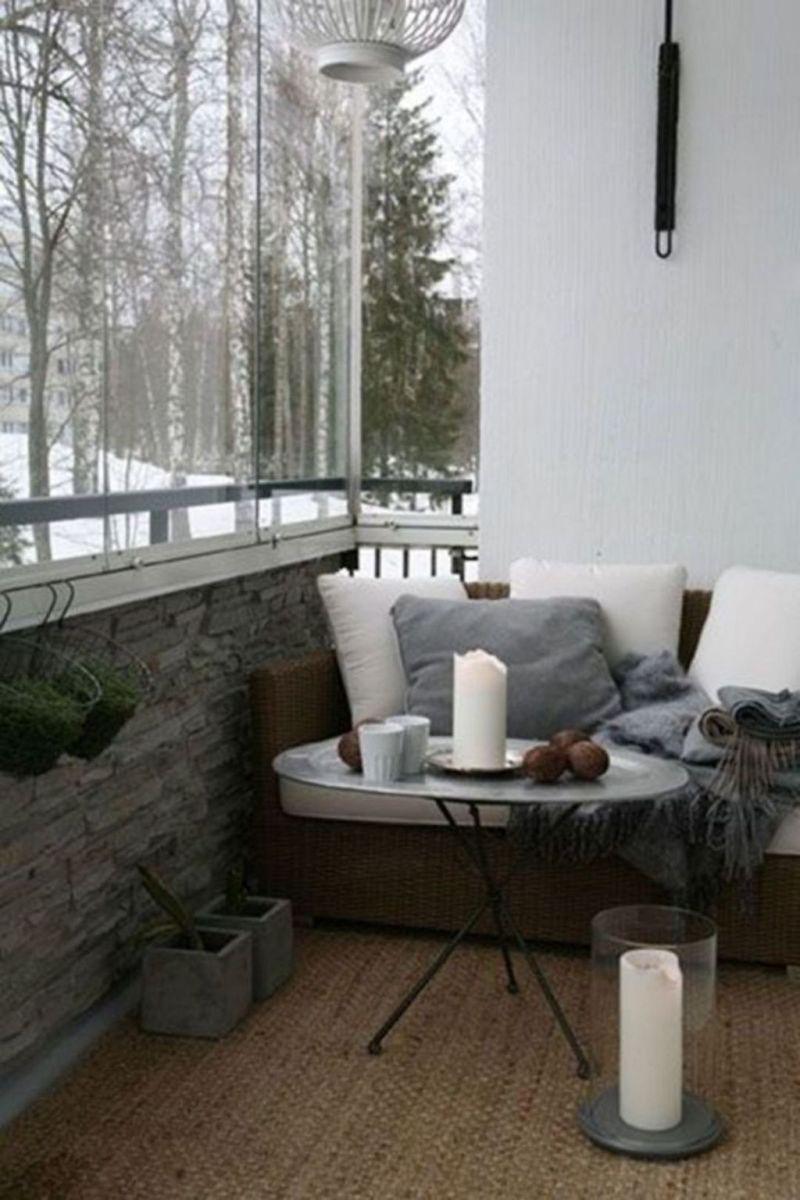 Stunning Winter Balcony Decorating Ideas 33