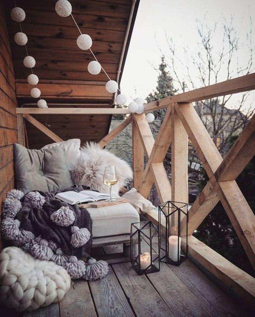 Stunning Winter Balcony Decorating Ideas 43