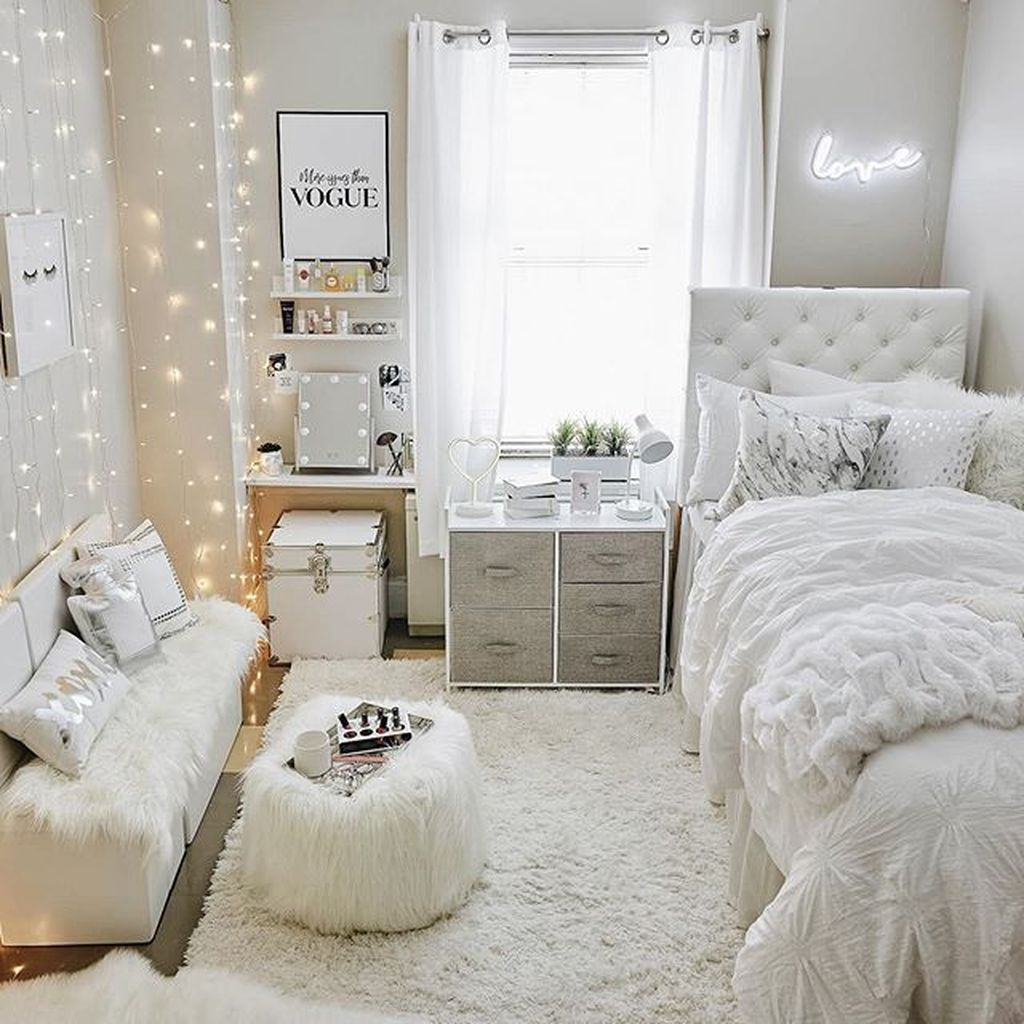 Admirable Small Bedroom Decor Ideas You Never Seen Before 25