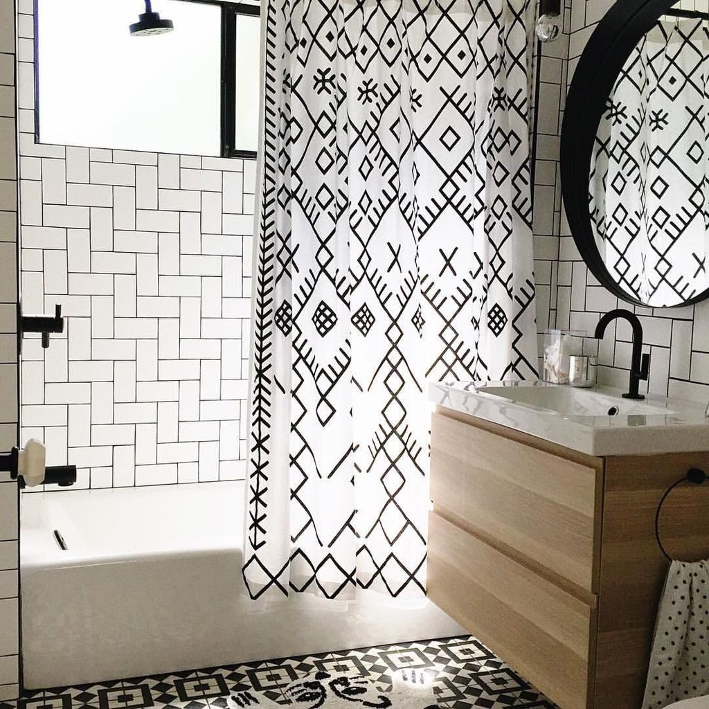 Amazing Black And White Shower Curtain For Your Bathroom Decor 08
