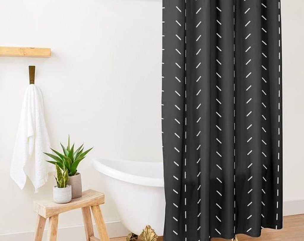 Amazing Black And White Shower Curtain For Your Bathroom Decor 09