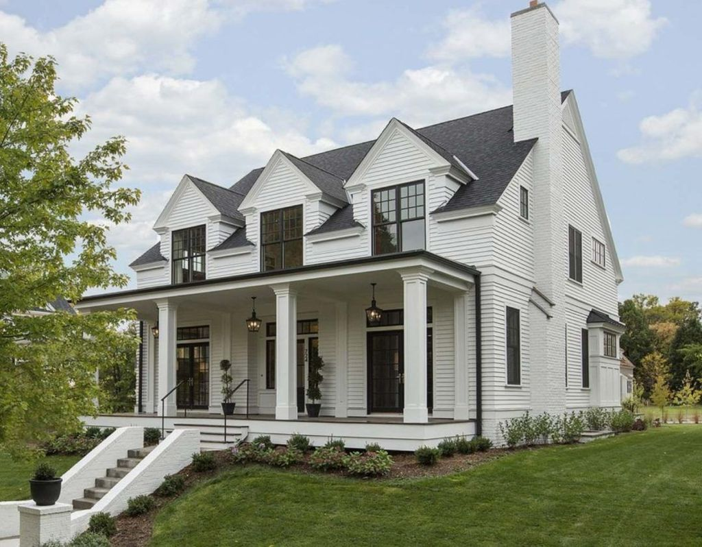 Beautiful Farmhouse Exterior Paint Colors Ideas 10