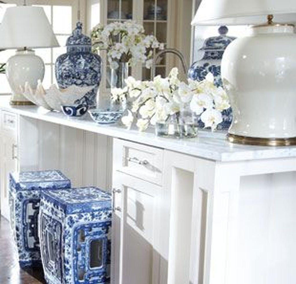 Beautiful Ginger Jars Decor Ideas For Living Rooms 08
