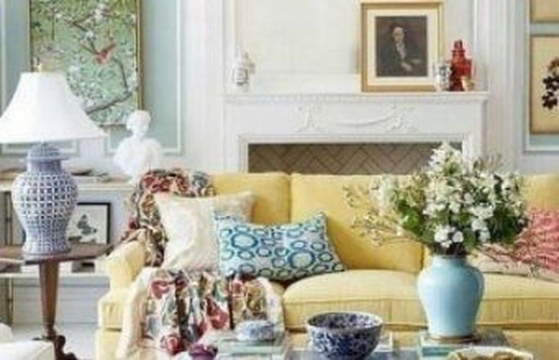 Beautiful Ginger Jars Decor Ideas For Living Rooms 09
