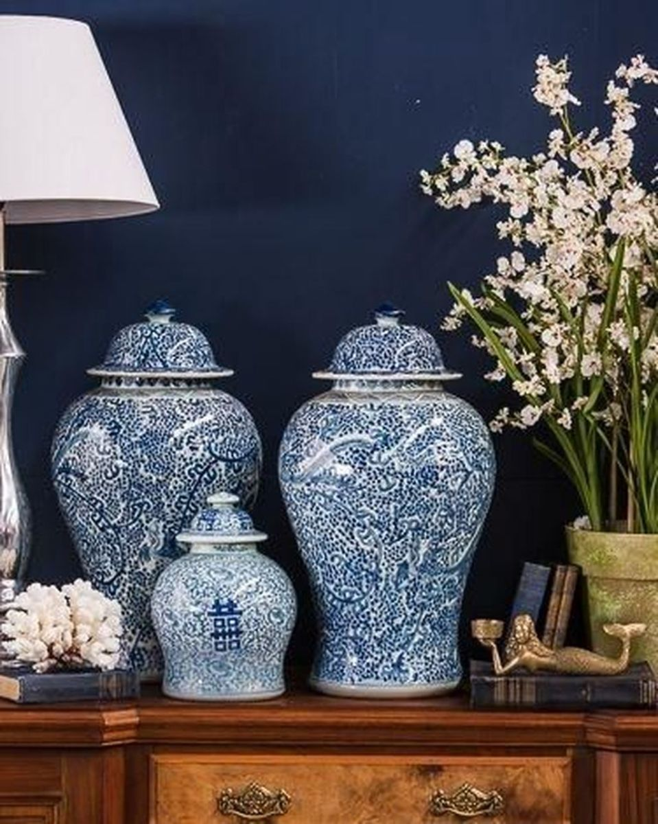 Beautiful Ginger Jars Decor Ideas For Living Rooms 10