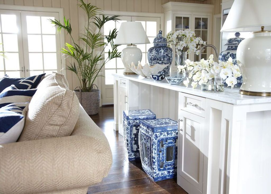Beautiful Ginger Jars Decor Ideas For Living Rooms 17
