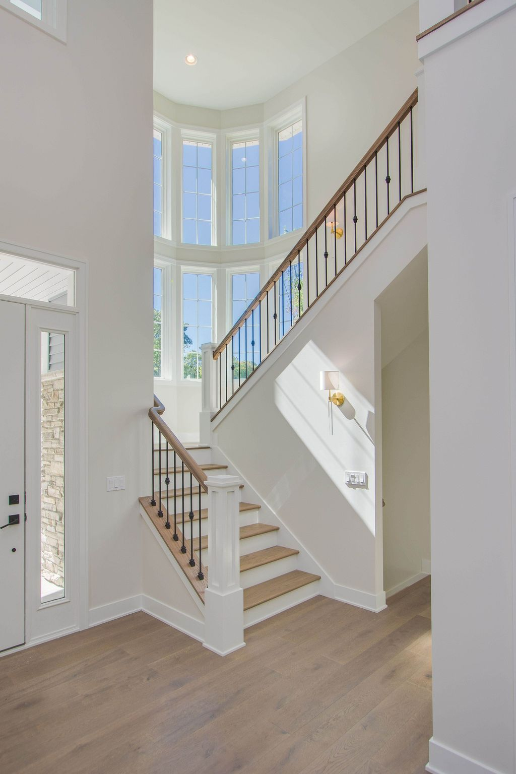 Brilliant Staircase Design Ideas To Beautify Your Interior 06