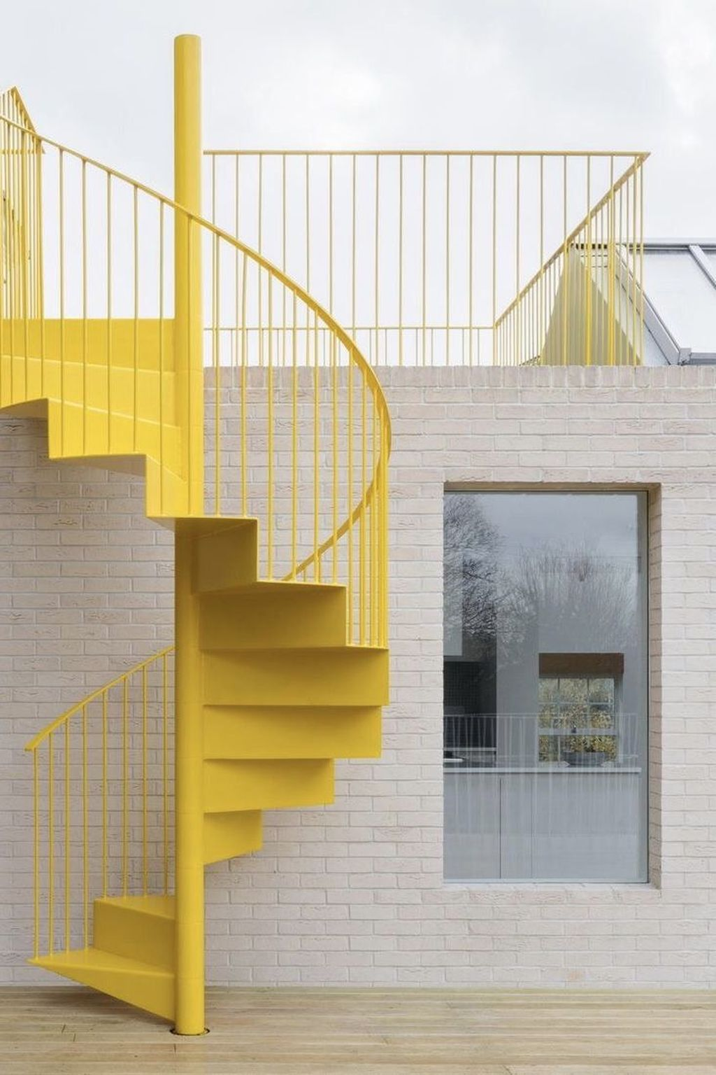 Brilliant Staircase Design Ideas To Beautify Your Interior 23