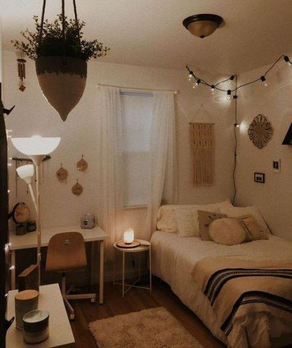 Fabulous Small Apartment Bedroom Design Ideas 04