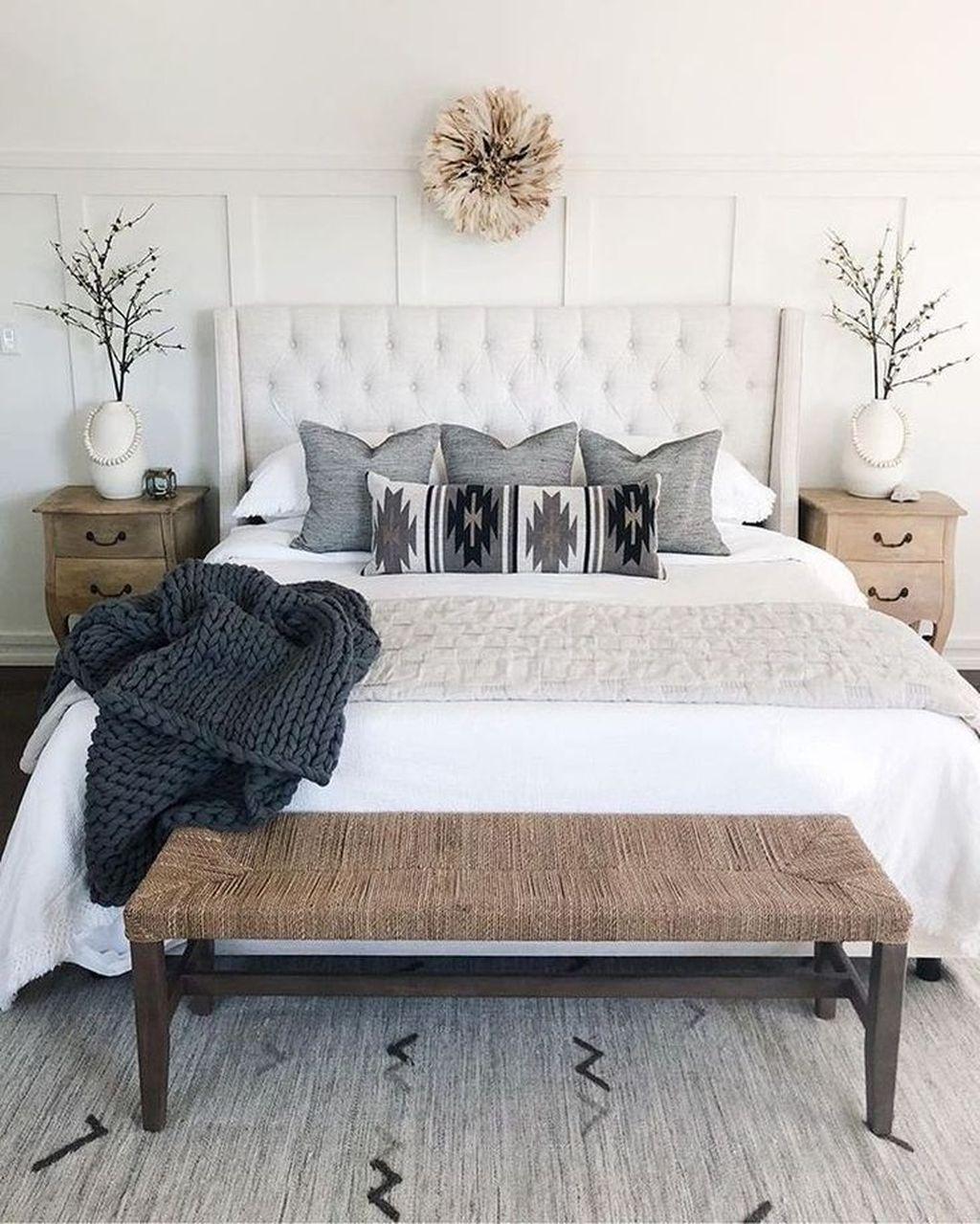 Fabulous Small Apartment Bedroom Design Ideas 08