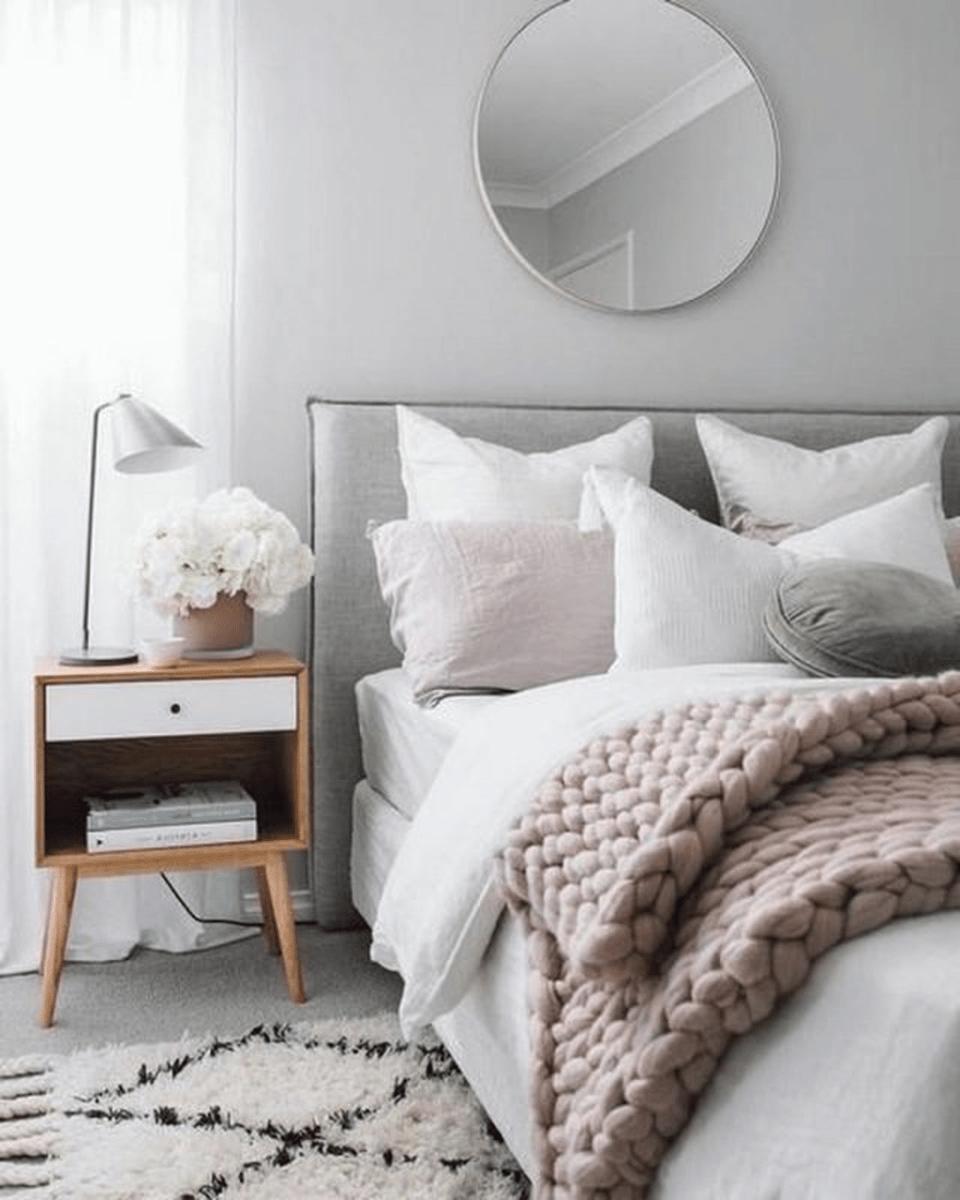 Fabulous Small Apartment Bedroom Design Ideas 09