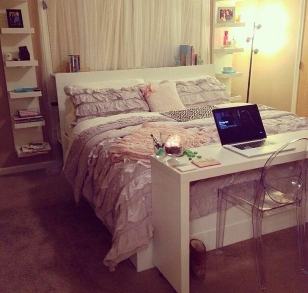 Fabulous Small Apartment Bedroom Design Ideas 21