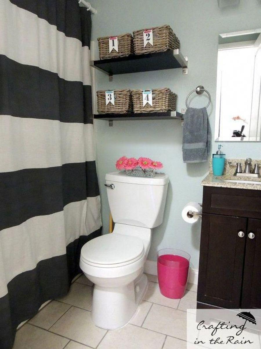 Fascinating Simple Apartment Bathroom Decor Ideas 11