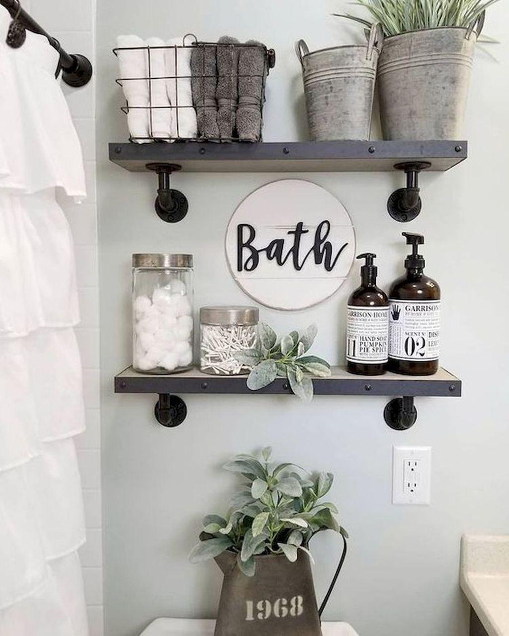Fascinating Simple Apartment Bathroom Decor Ideas 25