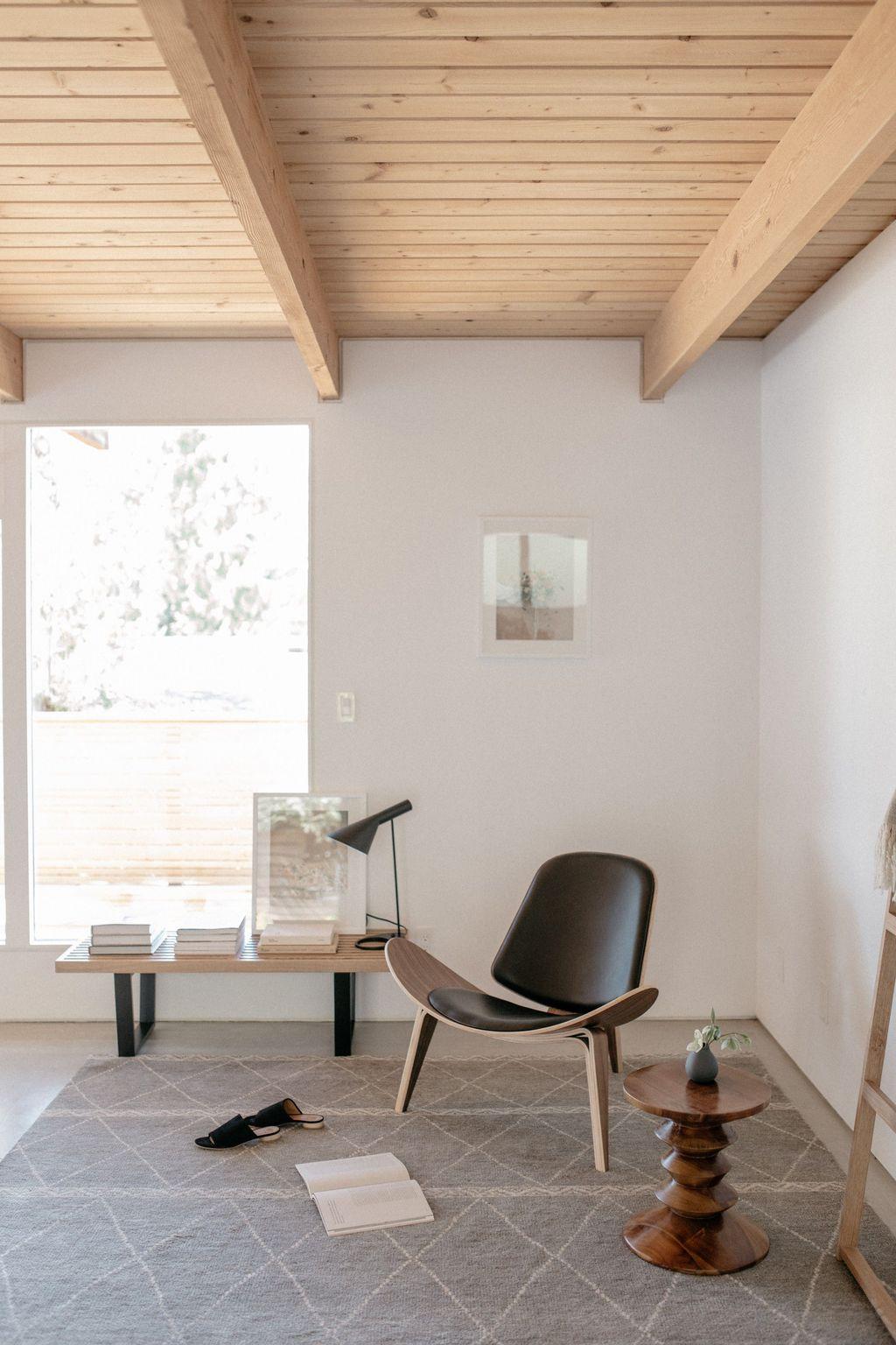 Gorgeous Modern Lounge Chair Design Ideas 17