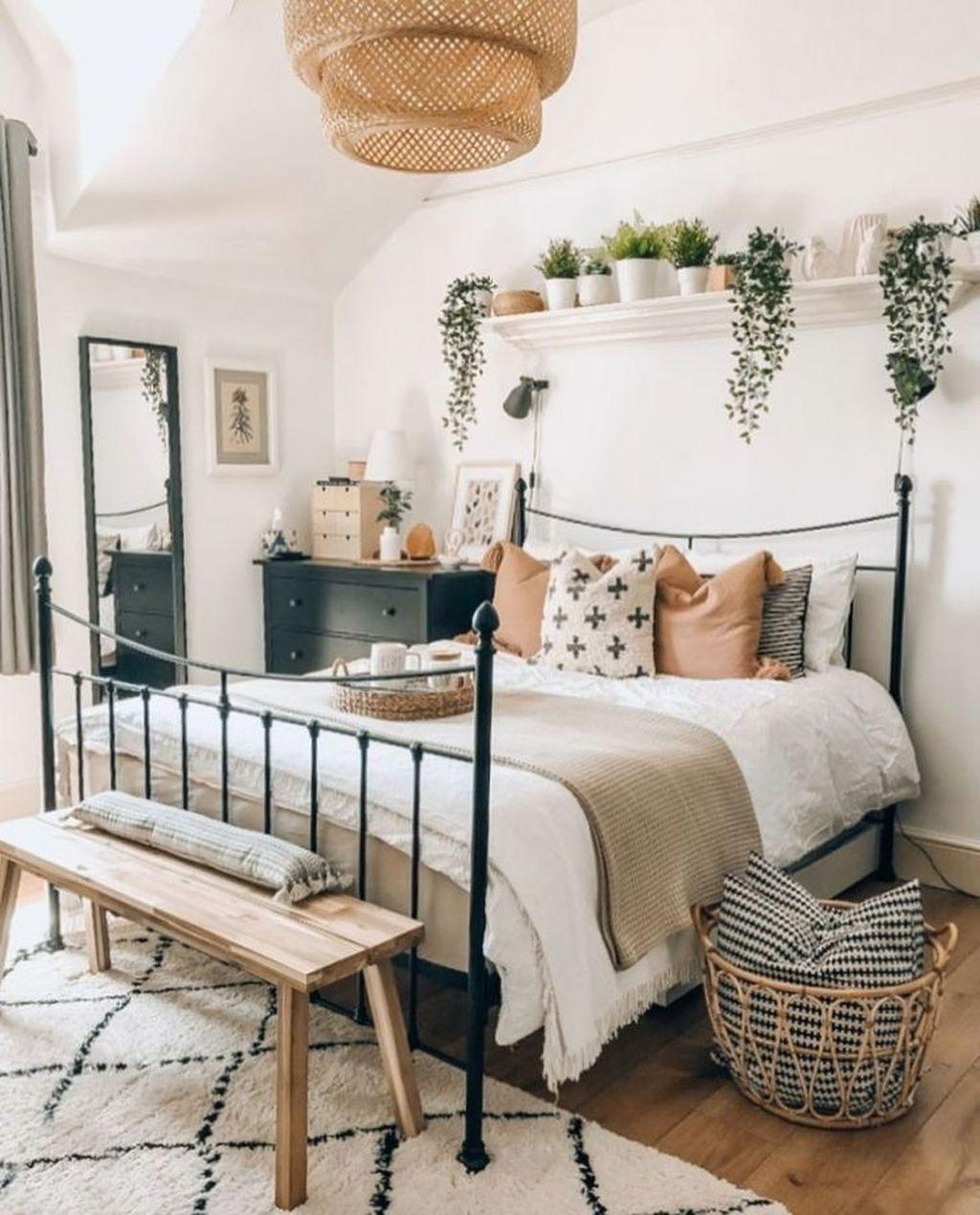 Lovely Boho Chic Bedroom Decor Idea 05