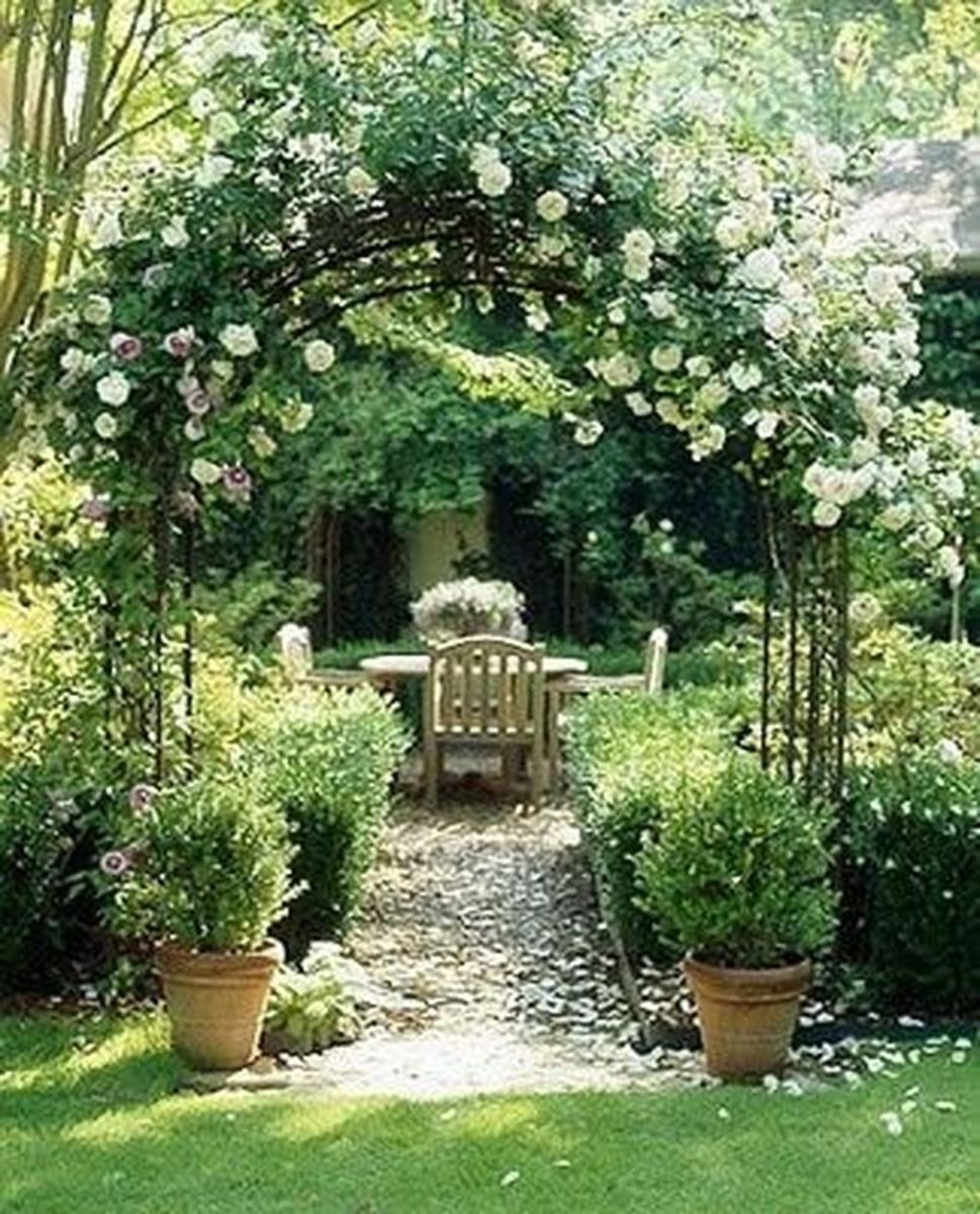 Lovely Flower Garden Design Ideas To Beautify Your Outdoor 01