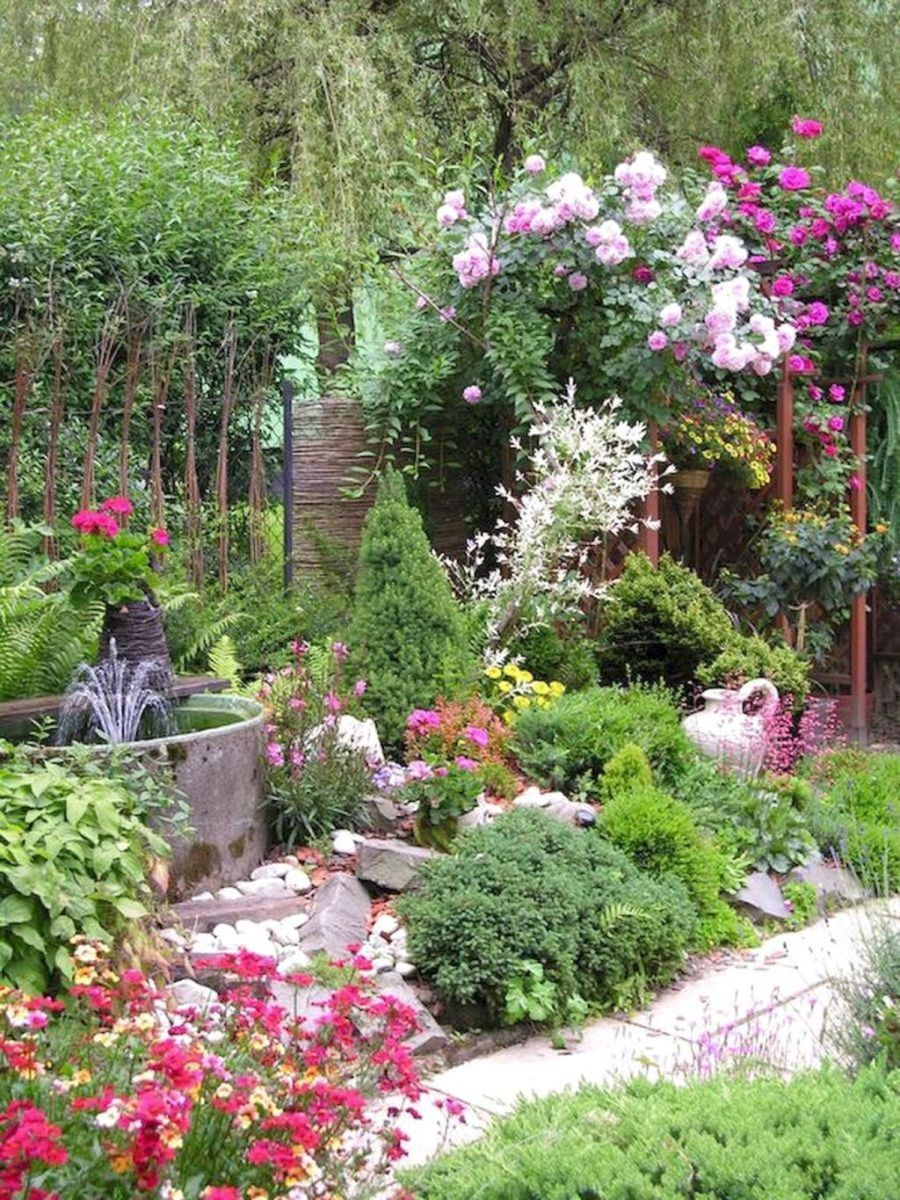 Lovely Flower Garden Design Ideas To Beautify Your Outdoor 03