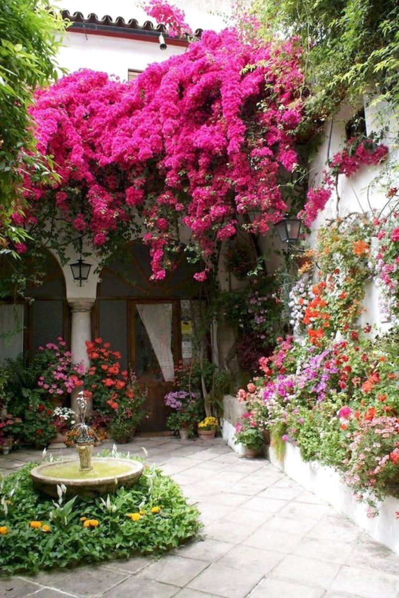 Lovely Flower Garden Design Ideas To Beautify Your Outdoor 30