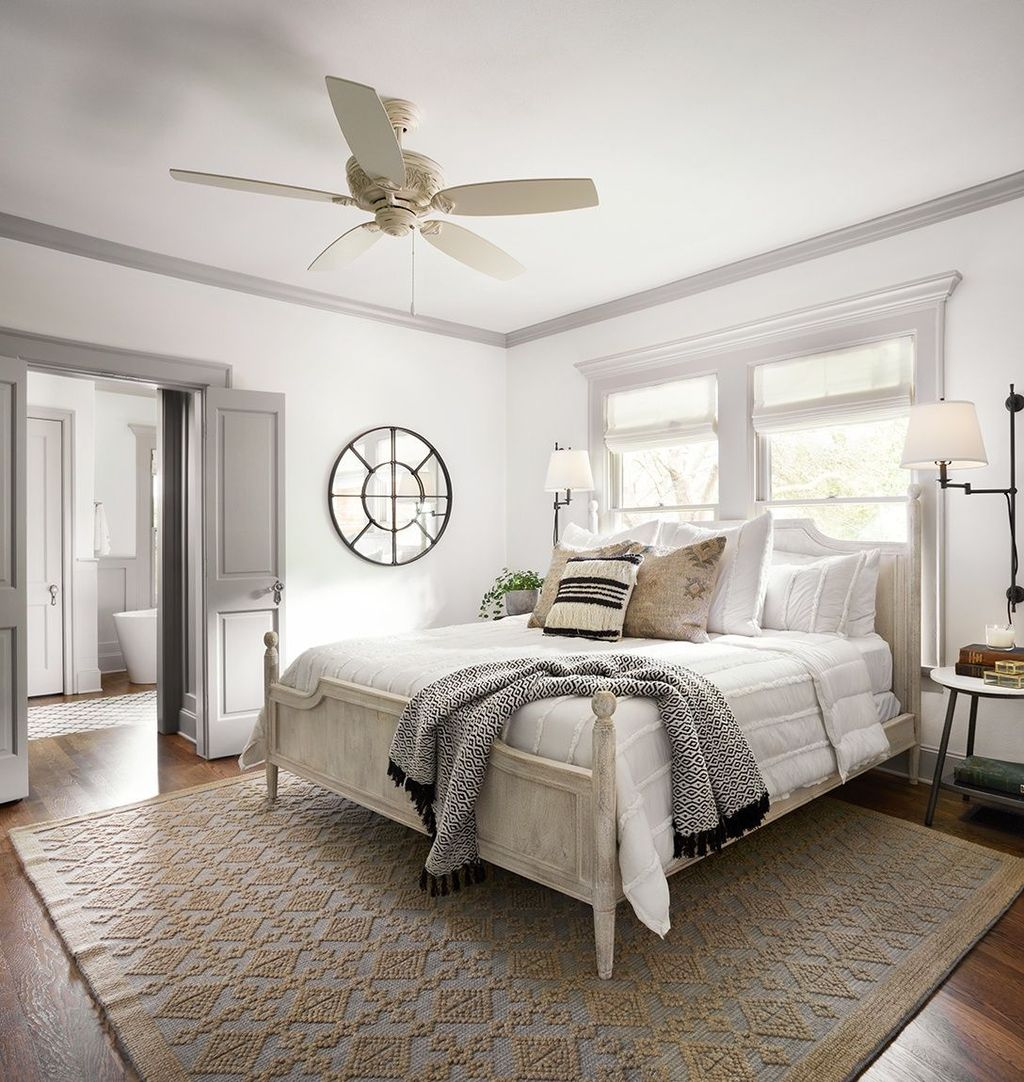 The Best White Master Bedroom Design And Decoration Ideas 11