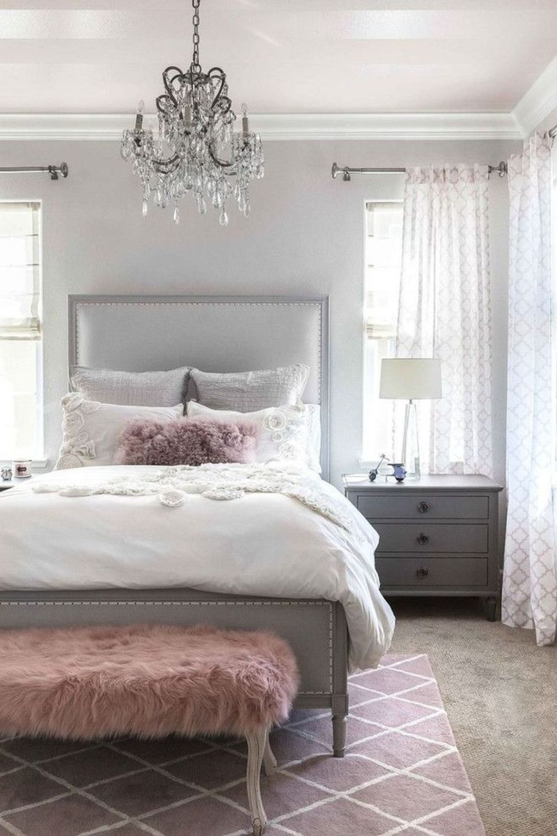 The Best White Master Bedroom Design And Decoration Ideas 16