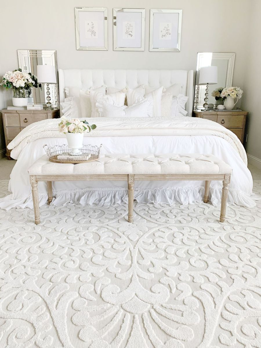The Best White Master Bedroom Design And Decoration Ideas 29