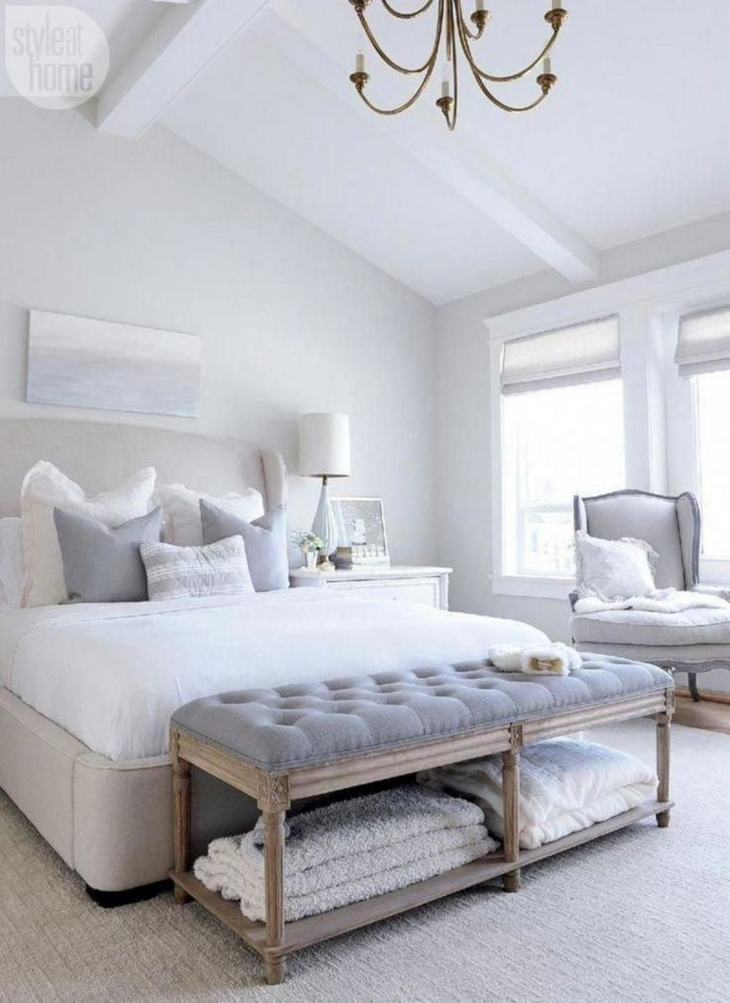 The Best White Master Bedroom Design And Decoration Ideas 30