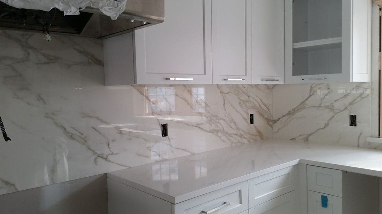 Beautiful Kitchen Design Ideas With Porcelain Slab Countertop 23